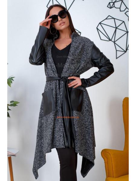 Жіноче пальто на запах великого розміру
