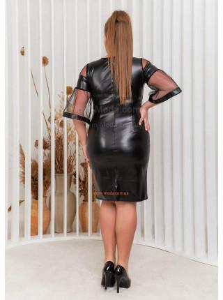 Красива сукня з екошкіри для повних