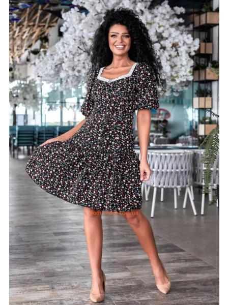 Легке плаття в дрібну квіточку