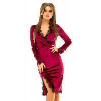 Бархатное платье с разрезом спереди