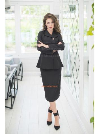 Жіночий стильний костюм з баскою