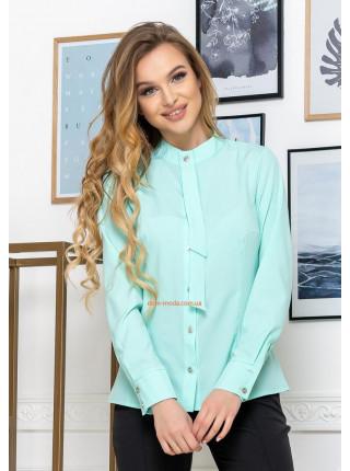 Красивая женская рубашка с воротником стойкой