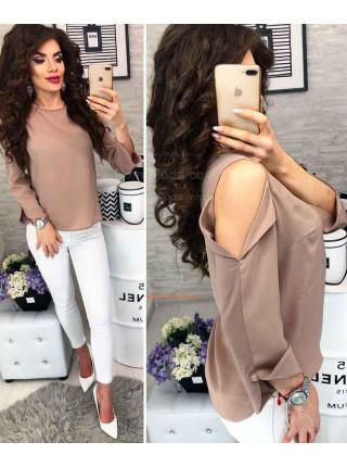 Женская блузка с голыми плечами
