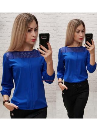 Жіноча блузка з мереживом