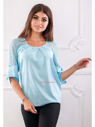 Красивая женская блузка с кружевом