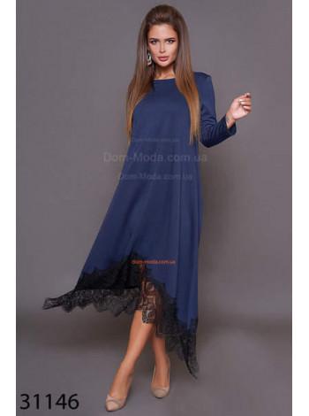 Модное платье свободного кроя с черным кружевом