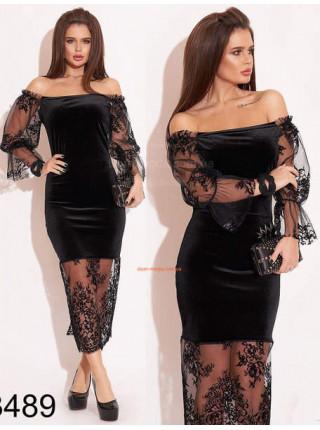 Бархатное платье с открытыми плечами