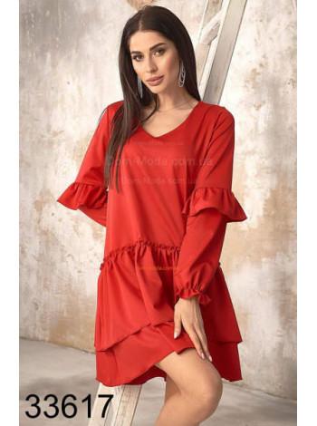 Свободное платье с рюшами на рукавах