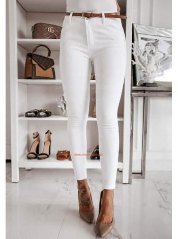 Стильные белые джинсы скини