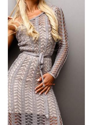 Вязаное длинное платье на одно плечо с длинным рукавом