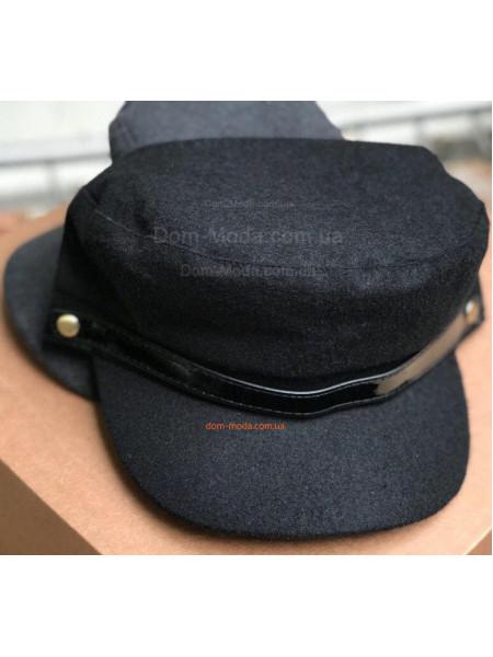 Женская шерстяная кепка