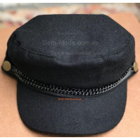Модная кепка из шерсти