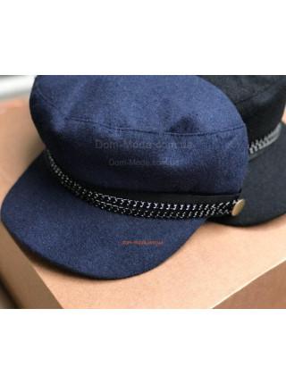 Модна кепка з шерсті