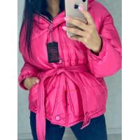 Короткая объемная куртка женская с поясом