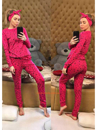 Жіноча піжама зі штанами