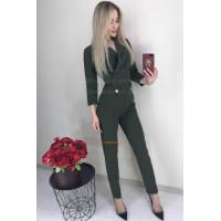 Стильный женский деловой комбинезон с декольте