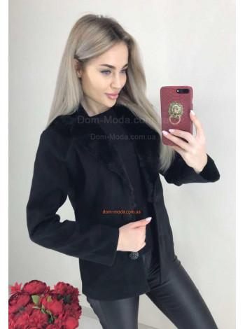 Женское пальто в виде пиджака