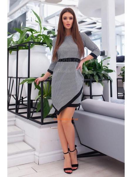 Жіноче офісне плаття в клітинку
