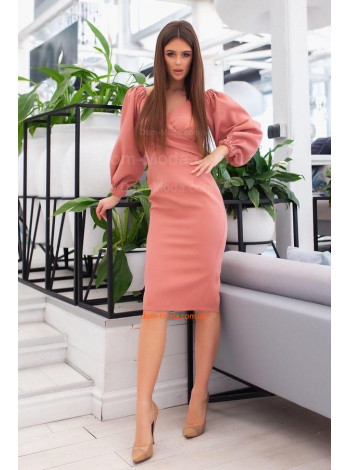 Деловое платье с пышными рукавами