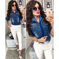 Женская джинсовая жилетка с жемчугом