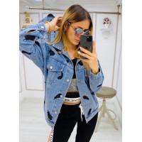 Об'ємна джинсова куртка