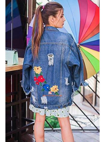 Молодежная джинсовая удлиненная куртка с вышивкой