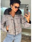 Модная осенняя куртка с принтом
