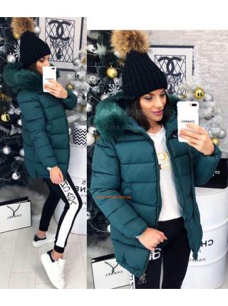 Зимняя куртка с большим капюшоном