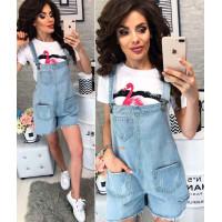 Жіночий стильний джинсовий комбінезон на лямках із шортами