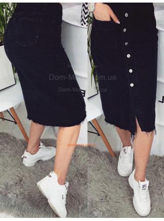 Модна джинсова спідниця міді на гудзиках