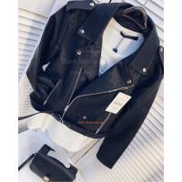 Женская кожаная куртка косуха черного цвета