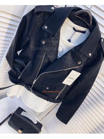 Жіноча шкіряна куртка косуха чорного кольору