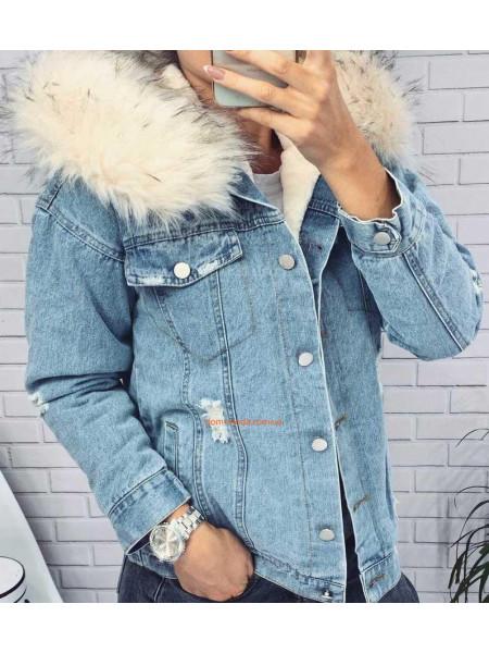 Джинсовая куртка с мехом и капюшоном