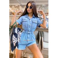Жіночий джинсовий комбінезон з шортами