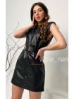 Стильное кожаное платье без рукав с поясом