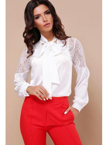 Белая стильная блузка с кружевом