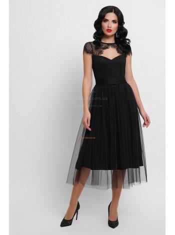 Модное женское платье с кружевом