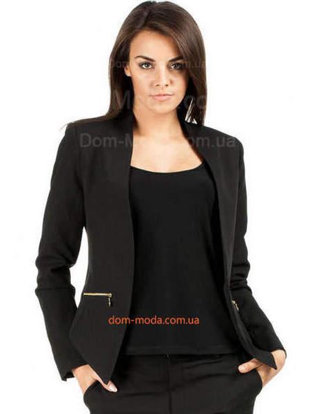 Женский пиджак без воротника и пуговиц