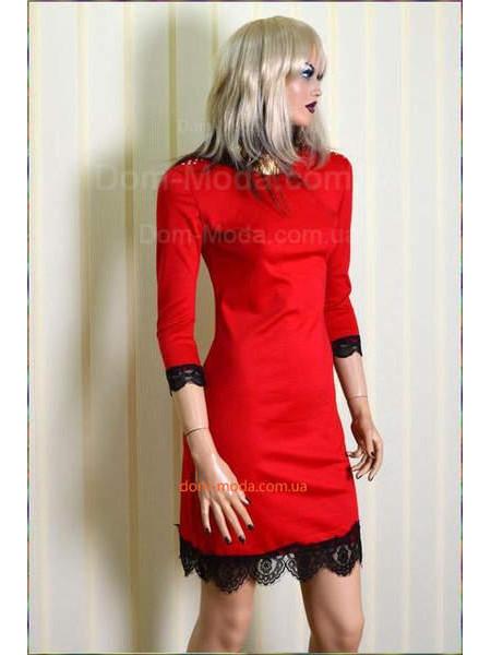 Недорогое женское платье с кружевом