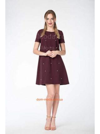 Короткое недорогое платье с жемчугом