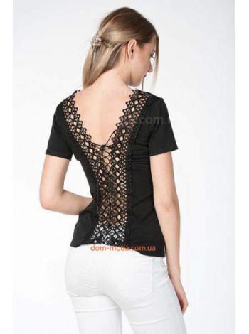Чорна жіноча футболка із відкритою спиною