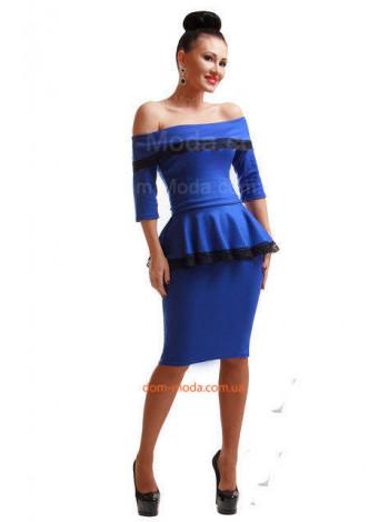 Женское нарядное платье с баской и открытыми плечами