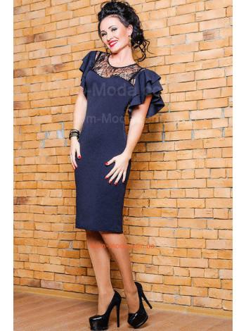Нарядне плаття з мереживом і рюшами на рукавах