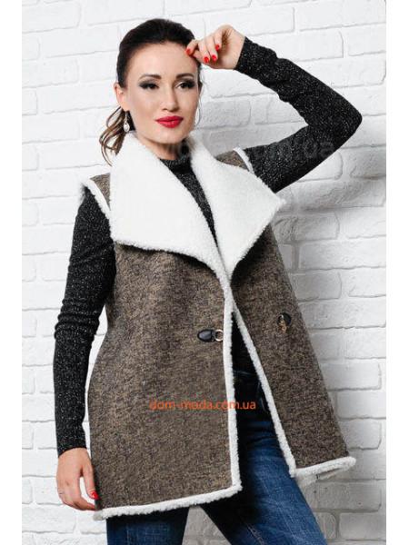 Женская теплая жилетка на овчине