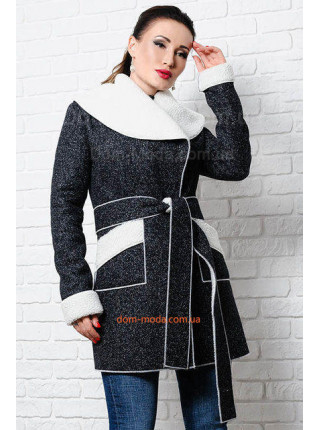 Стильне пальто жіноче для повних на овчині