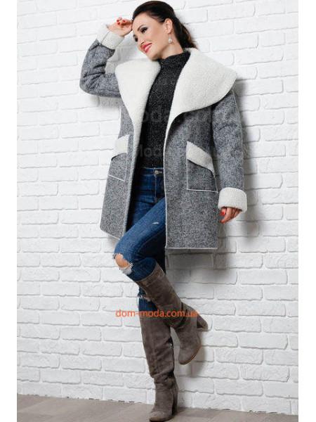Стильное пальто женское для полных на овчине