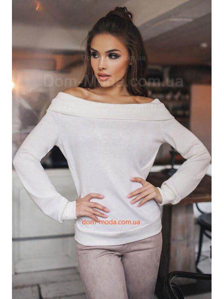 Женский свитер с открытыми плечами для полных