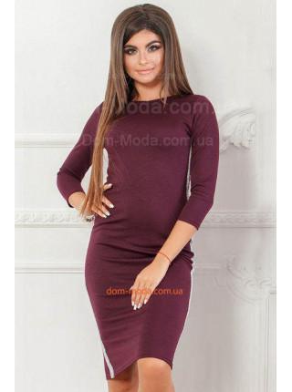 Недорогое трикотажное платье женское с лампасами для полных