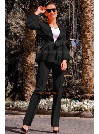 Легкий модний брючний костюм для повних жінок
