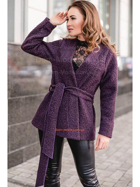 Модне коротке пальто із букле великого розміру